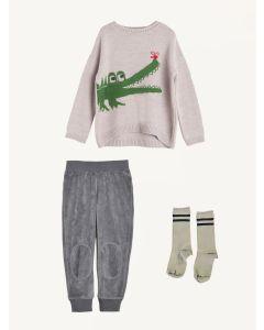 Nadadelazos velvet pants and croc jumper Piupiuchick socks